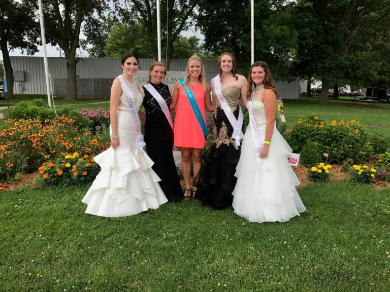 Add your photos of the 2017 Queen and Court